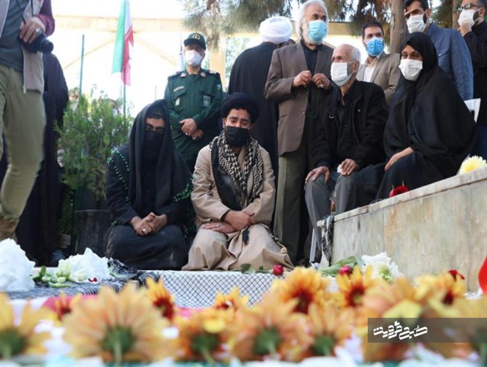 اشتیاق فراگیر مردم برای بدرقه مدافعان حرم+تصاویر
