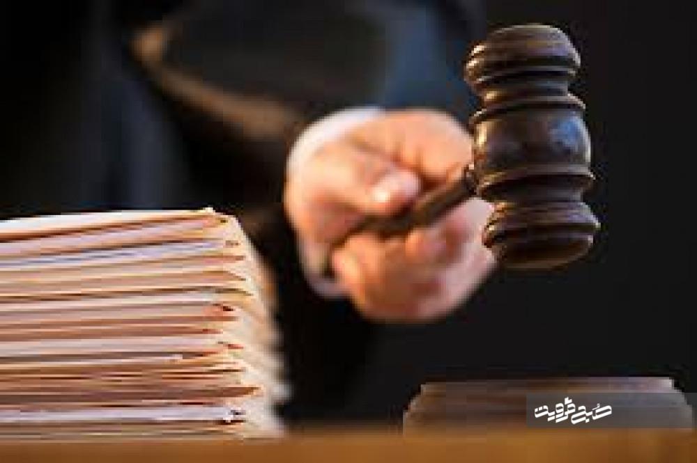 رسیدگی به پرونده دانه درشتها و هجمه تریبونهای دولتی به قوهقضائیه!