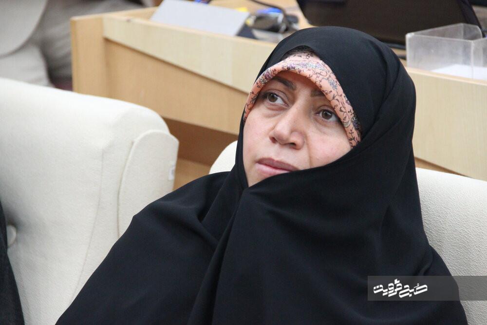 کمیسیون درمان از رئیسجمهور بهدلیل اهمال در حوزه مقابله با کرونا شکایت کرد/ پیگیر تجهیز بیمارستان ارتش قزوین هستیم
