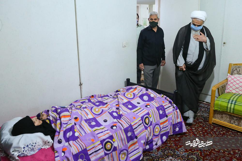 نماینده ولی فقیه در استان از مدیرمسئول صبحقزوین عیادت کرد