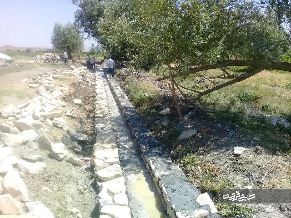 احداث کانال آب کشاورزی در روستای سگزناب به همت جهادگران