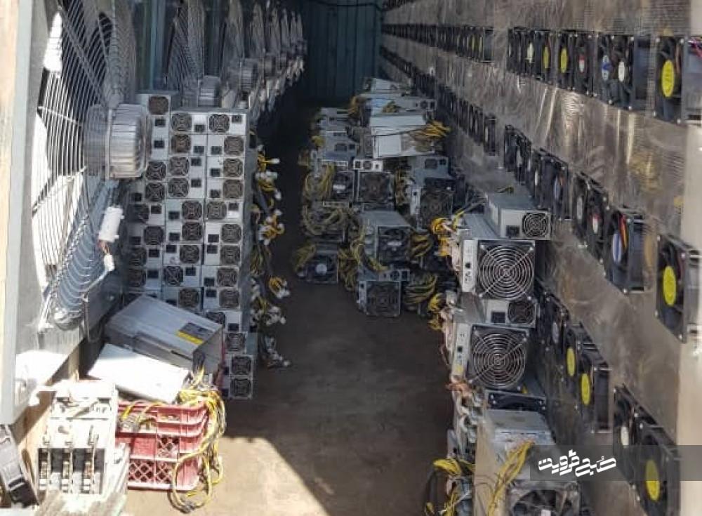 کشف ۲۴۸۰ دستگاه ماینر استخراج رمزارز در شهرستان آبیک