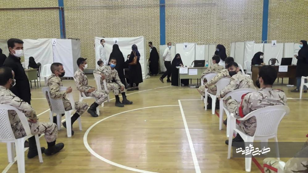 واکسیناسیون سربازان در استان قزوین آغاز شد