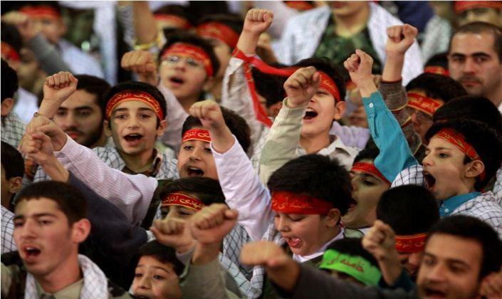 حضور 2 هزار دانشآموز بسیجی در تجمع بسیجیان استان