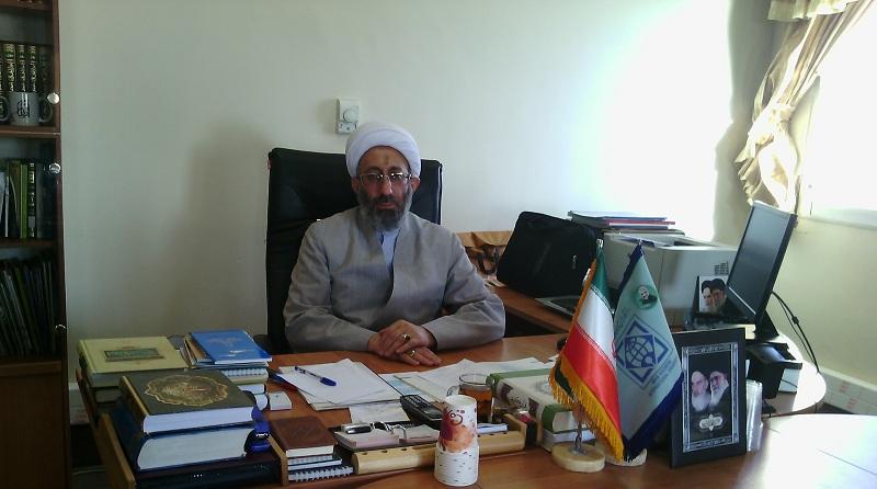 حوزه و دانشگاه متحدانه سیلی محکمی بهدشمن بزنند/ دانشگاه اسلامی نمیشود مگر با وحدت عمیق روحانی و دانشجو