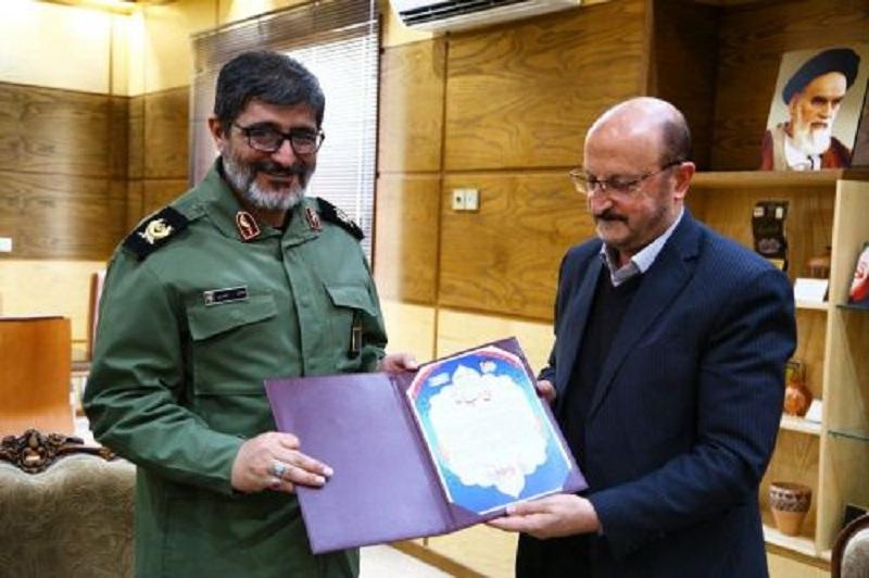 زحمات استاندار در کنگره ۳هزار شهید قزوین مورد قدردانی قرار گرفت