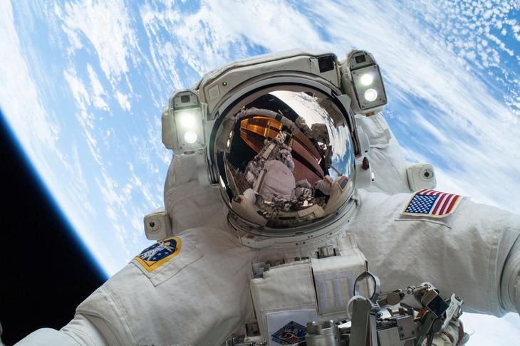 عجایبی باورنکردنی از زندگی در فضا که به ذهنتان هم خطور نمیکند +تصاویر