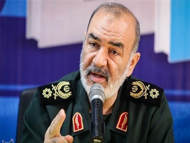 کردستان به محل دفن سیاست بیگانگان تبدیل شده است/پیام صریح سرنگونی هواپیمای جاسوسی امریکا این بود که مرزهای ایران خط قرمز ماست/ منطق ما مبارزه است نه مذاکره