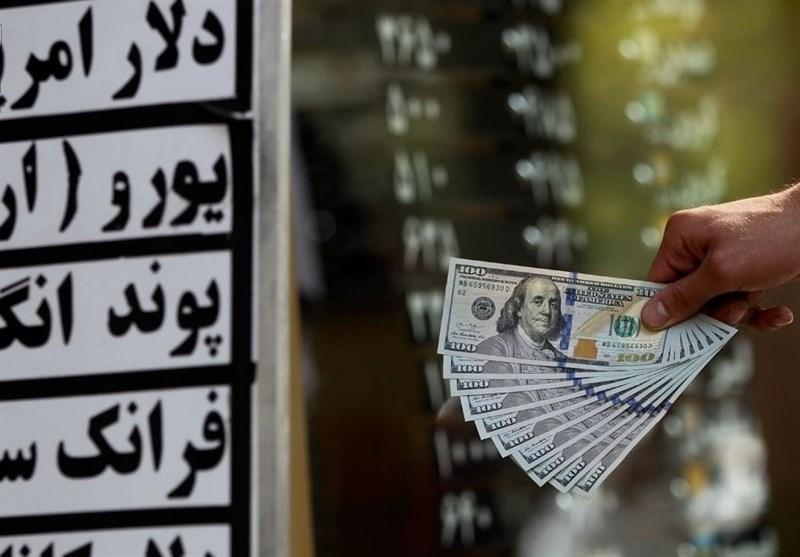 مردم فروشنده ارز شدند/ قیمت دلار ۱۱ هزاری شد