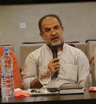 خبرنگار باید در جهت اصلاح امور جامعه صادقانه و شجاعانه قلم بزند/ رسانه نباید ابزار دست سیاسیون شود