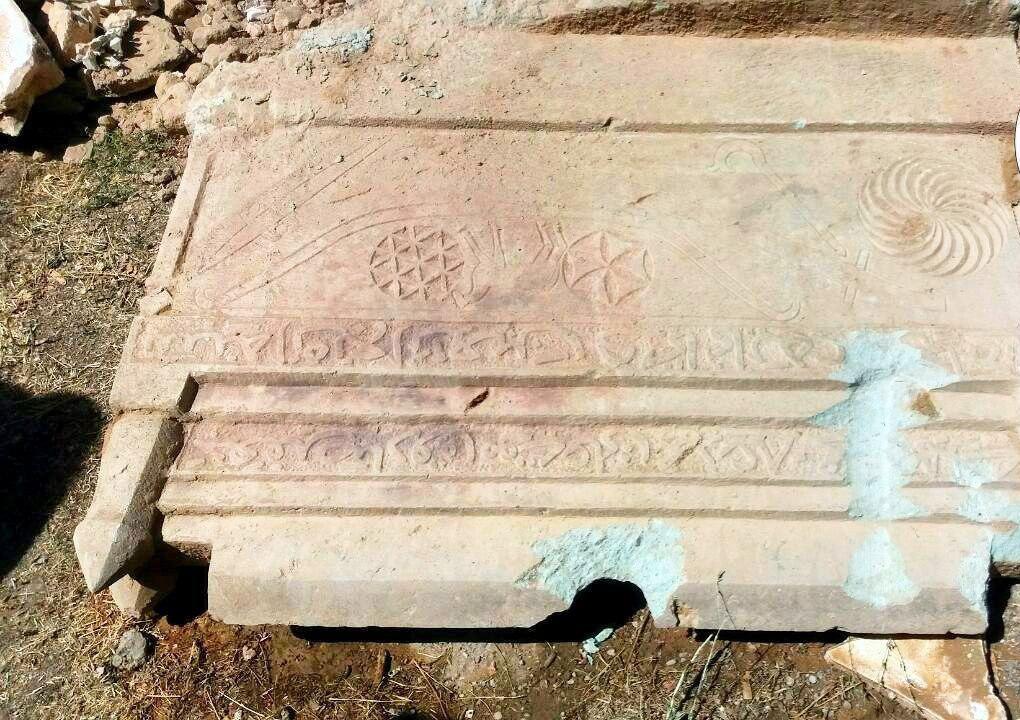 """کتیبه کشفشده از امامزاده """"ولی"""" در موزه مردمشناسی قرار گرفت"""