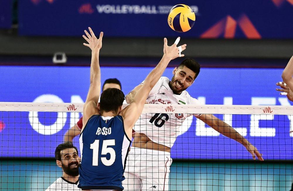تیم ملی والیبال ایران - چین/ جدال بلندقامتان و مردان اژدهای زرد در تالار آزادی