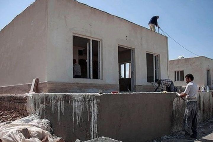 """طرح """"هر مسجد یک خانه"""" در مناطق مختلف قزوین اجرا میشود/ اهدای پَکهای لوازم ورزشی به ۱۲مدرسه محروم"""