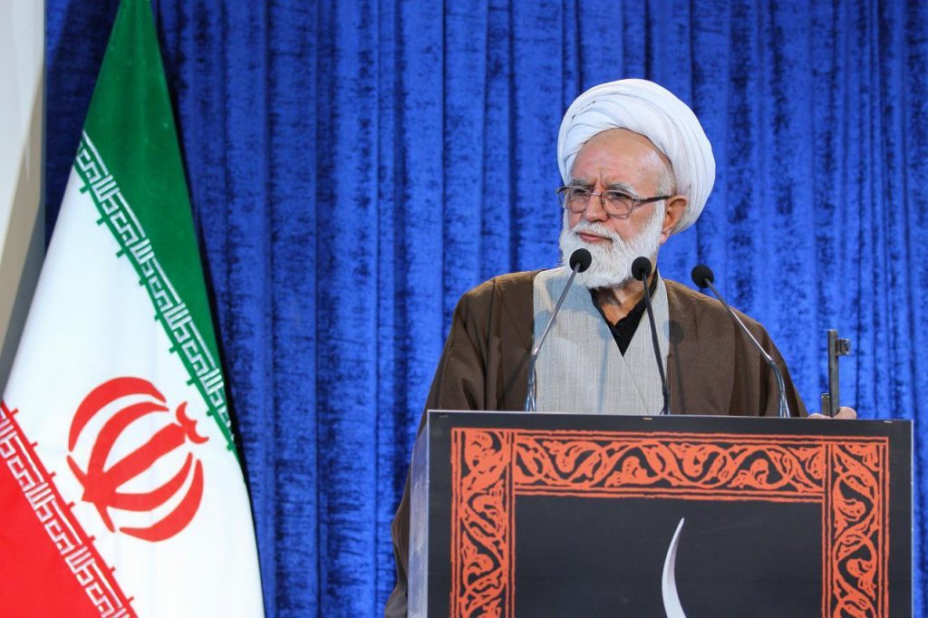 حذف نام شهید در برخی معابر تهران یک توطئه آشکار است/ امریکا درحال گداییکردن برای مذاکره با ایران است
