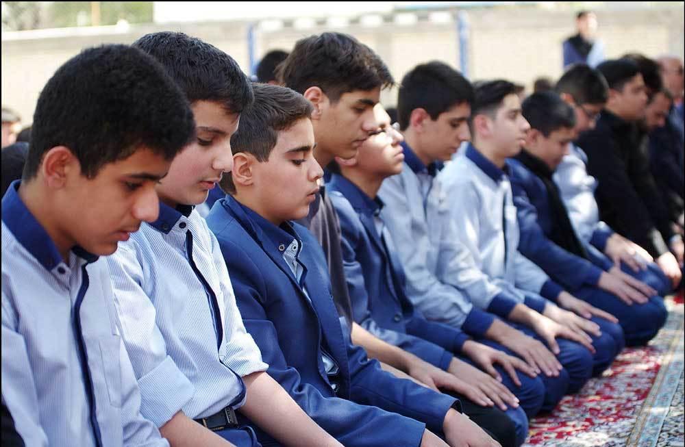 جذب سلیقهای یا گزینش اصولی؟!/ مدارس قزوین با چالش کمبود امام جماعت روبروست