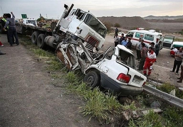برخورد کامیون خاور با پراید ۲کشته و مجروح برجای گذاشت