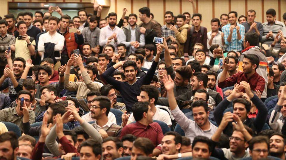 بیانیهی گام دوم انقلاب، بر توانمندیهای جوانان تاکید زیادی دارد/ برای جوان انقلابی بنبست معنایی ندارد