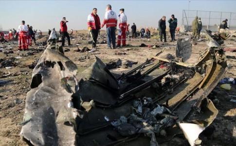 شجاعت صداقت در حادثه تلخ هواپیمای اوکراین/ وقتی بین مردم و حاکمیت پنهان کاری معنا ندارد+اینفوگرافیک
