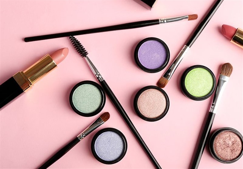 """استفاده از لوازم آرایشی باعث افزایش احتمال ابتلا به """"سرطان سینه"""""""