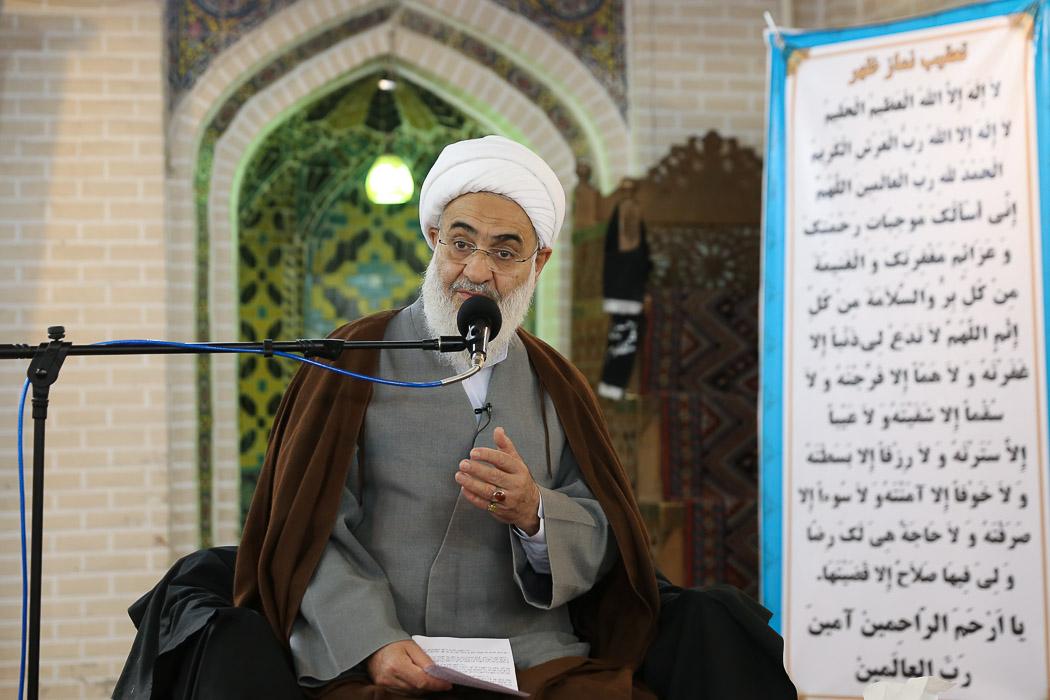 مساجد به عنوان پایههای امنیت ملی کشور به حساب میآیند