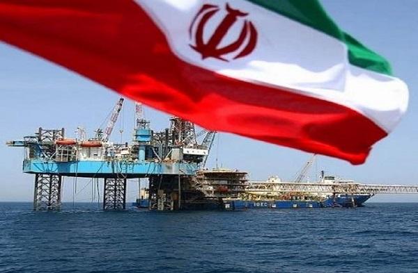 صنعت نفت ایران هنوز هم «ملّی» نیست!/ خامفروشی، موازنه قدرت ما با غرب را بهمزده است