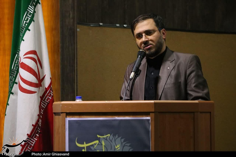 """برگزاری کنگره """"شعر مواسات"""" در قزوین/ شاعران از سراسر کشور امکان حضور در این جشنواره را دارند"""