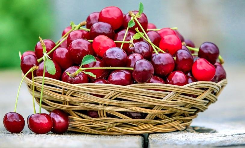 بی خوابی خود را با این میوه بر طرف کنید