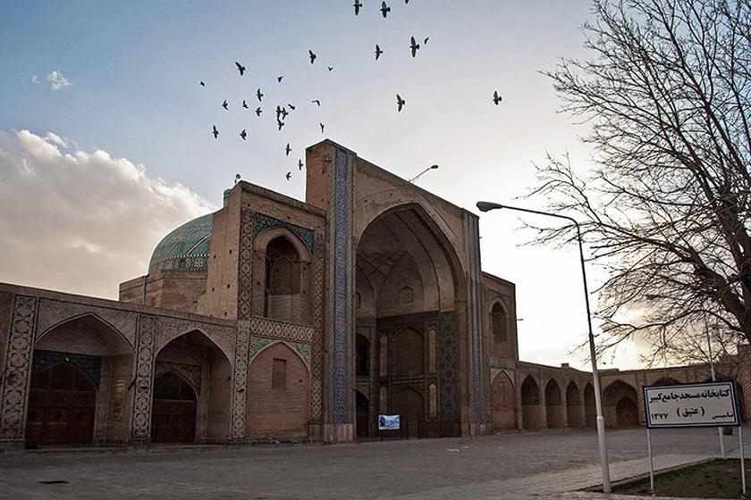 مسجد جامع قزوین با هنر ایرانی-اسلامی چشمنوازی میکند/ تاریخی بهیادگار از دوره سلجوقی و صفوی
