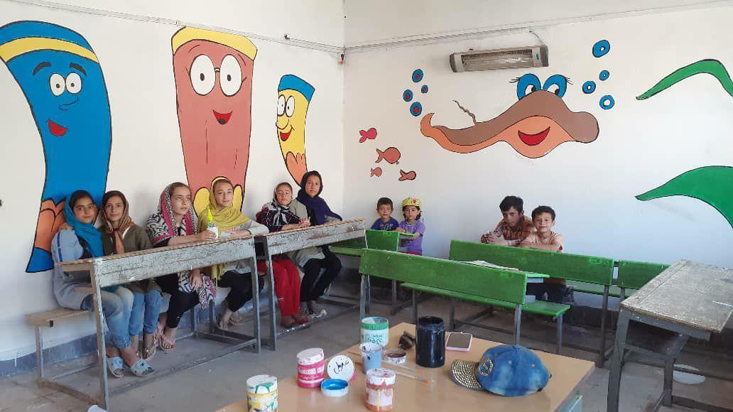 مدارس محروم قزوین رختی نو به تن کردند/ شادی دانشآموزان، ارمغان دستهای هنرمندانه جهادگران