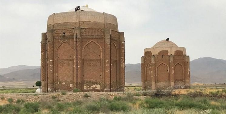 آغاز مرمت برجهای دوگانۀ تاریخی خرقان در قزوین