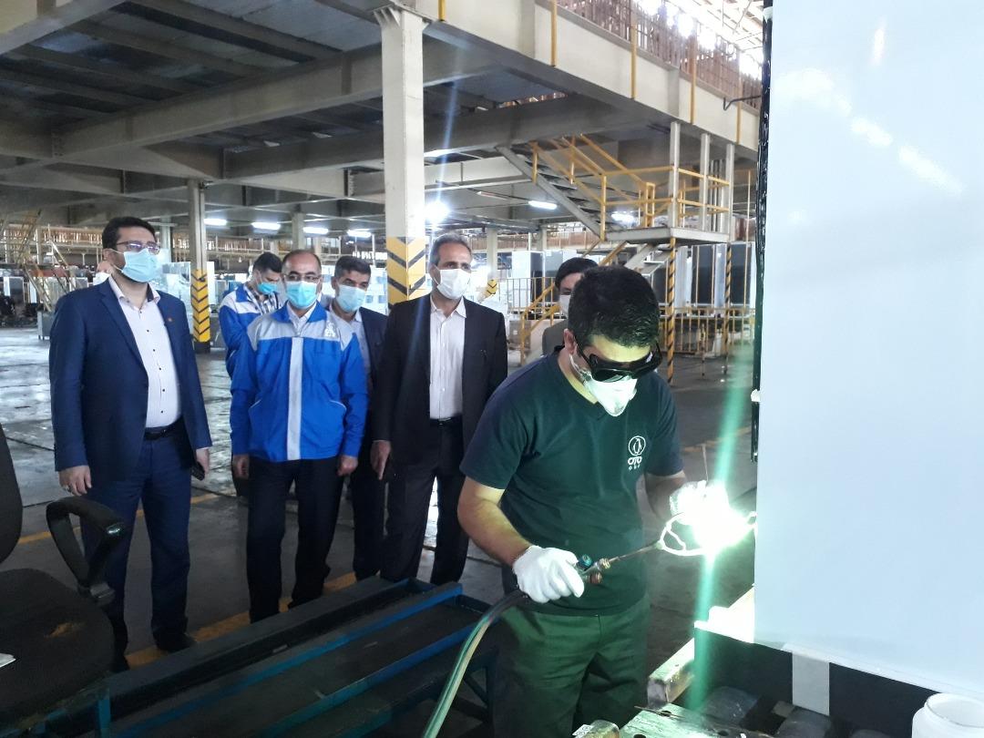 ۵هزار دستگاه یخچال فریزر پارس به کارگران واگذار شد