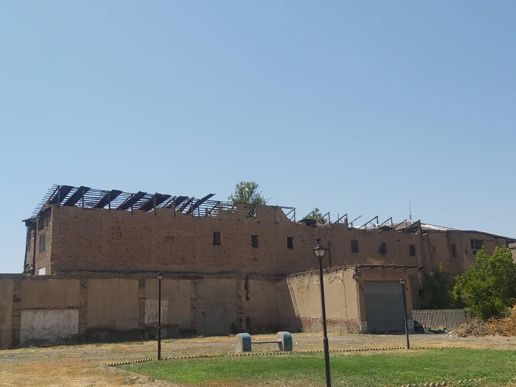 جمعآوری سازه الحاقی گراند هتل در قزوین