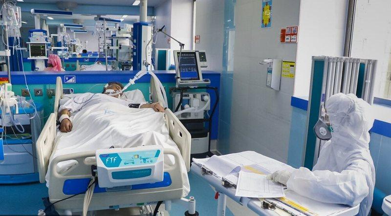 ۴۴ درصد موارد ابتلا به کووید۱۹ مربوط به تماس مستقیم با بیماران است