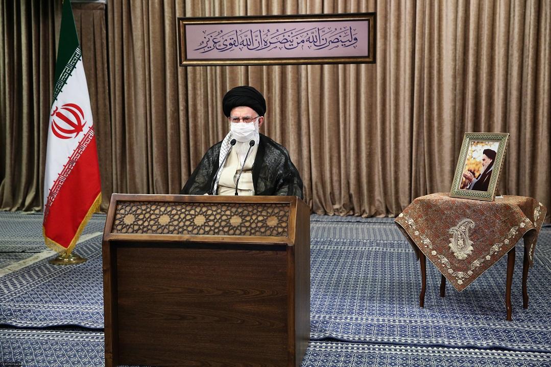 دفاع مقدس یکی از عقلانیترین حرکات ملت ایران بود/ دست تحریف در کمین دفاع مقدس است