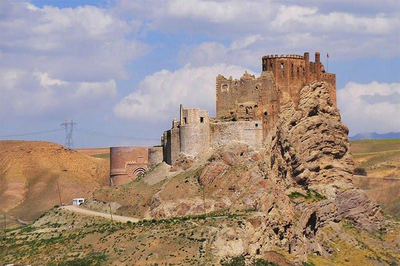 بازدید از موزههای قزوین و قلعه الموت ششم مهرماه رایگان است
