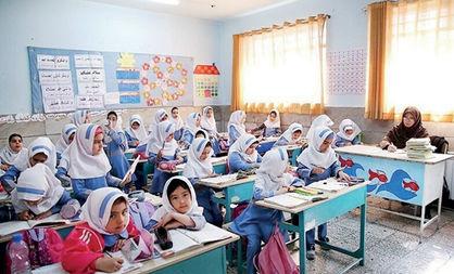 تصمیمات عجولانه و شتاب زده بلای جان دانش آموزان/آیا فاجعه انسانی در ایران رخ می دهد؟