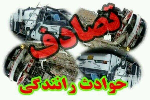تصادف سمند و کامیون ۲ کشته و مصدوم برجای گذاشت