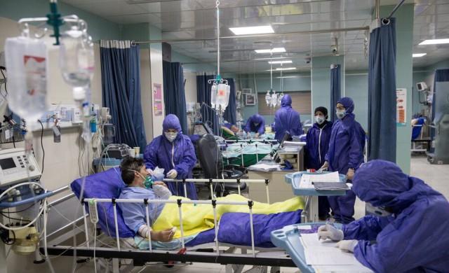بستری ۷۷بیمار کرونایی طی شبانهروز گذشته/ ۲۰ دستگاه کمکتنفسی از وزارت بهداشت به قزوین تحویل داده شد