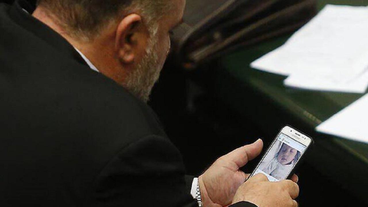 سیاسیون در اینستاگرام/ اکانتهای پرطرفدار متعلق به کدام سیاستمداران ایرانی است؟