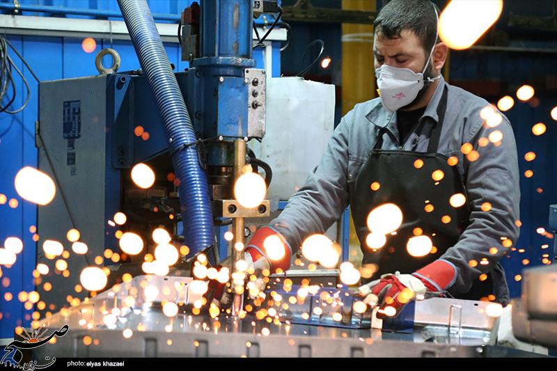 ایرانیها با اقتدار صنعتی مشت محکمی بر دهان یاوهگوییهای امریکا زدند/ از مونتاژ به صادرکننده جهانی رسیدیم
