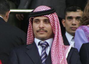 ماجرای تماس مشکوک با همسر شاهزاده حمزه +عکس